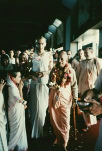 052-sdg-srila-prabhupada