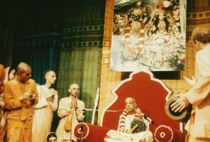 096-sdg-srila-prabhupada