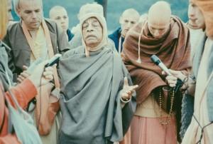 192-sdg-srila-prabhupada