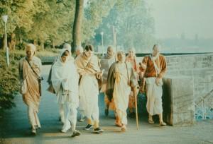 359-sdg-srila-prabhupada