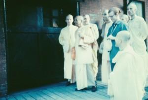 366-sdg-srila-prabhupada