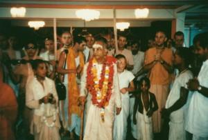 586-sdg-srila-prabhupada