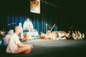 679-sdg-srila-prabhupada