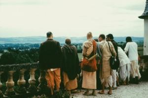 694-sdg-srila-prabhupada