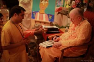 SDG-Vyasa-Puja-2016 30