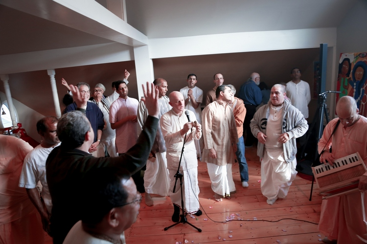 Satsvarupa dasa Goswami - Vyasa Puja 2013  (2)
